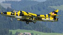 J-4206 - Private Hawker Hunter T.68 aircraft