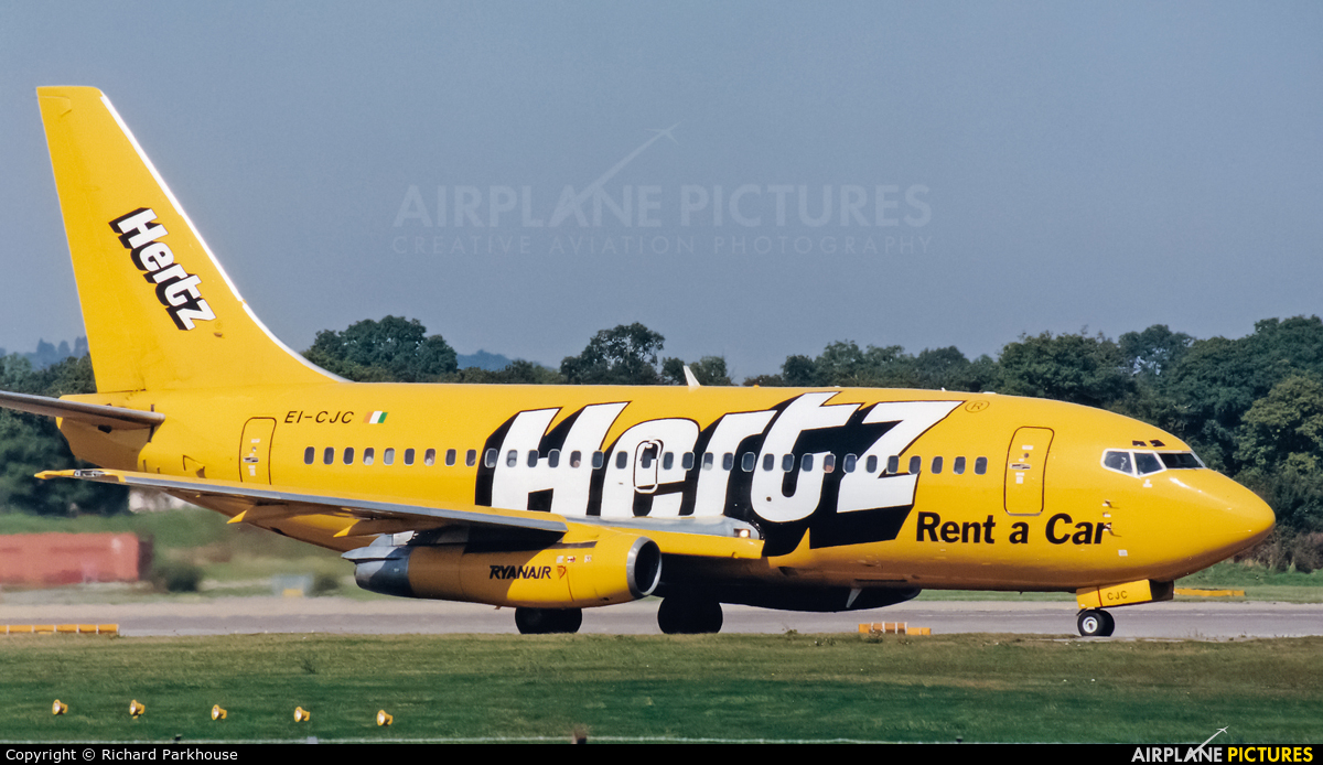 Ryanair EI-CJC aircraft at London - Gatwick