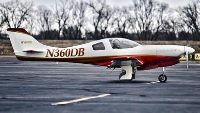 N360DB - Private Lancair 320