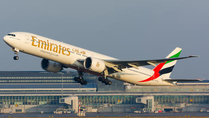 A6-ENS - Emirates Airlines Boeing 777-300ER