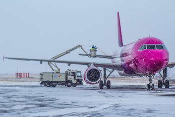 HA-LPT - Wizz Air Airbus A320