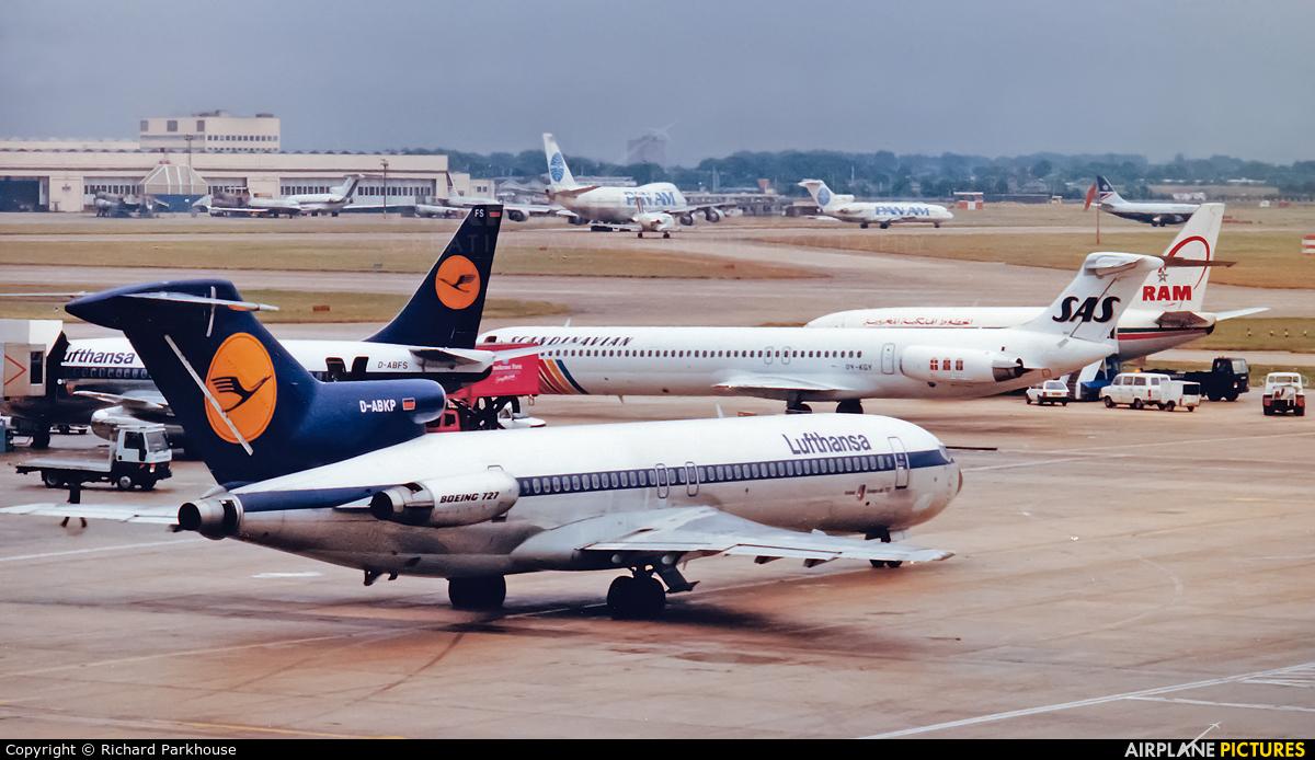 Lufthansa D-ABKP aircraft at London - Heathrow