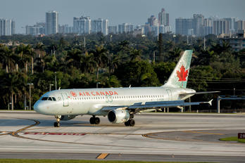 C-FKCR - Air Canada Airbus A320