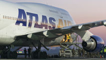 First ever Boeing 747 at Poznan airport title=