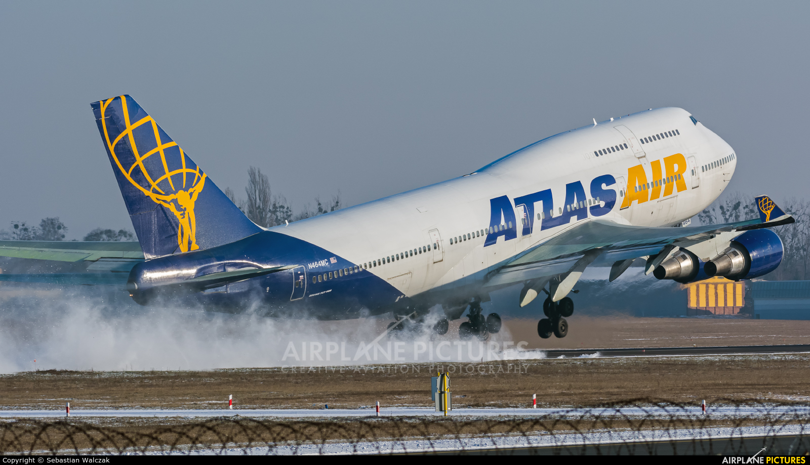 Atlas Air N464MC aircraft at Poznań - Ławica
