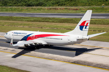 9M-MLV - Malaysia Airlines Boeing 737-8H6