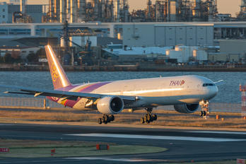 HS-TKP - Thai Airways Boeing 777-300ER