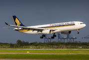 9V-STT - Singapore Airlines Airbus A330-300 aircraft