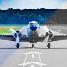 HB-IRJ - Super Constellation Flyers Douglas DC-3