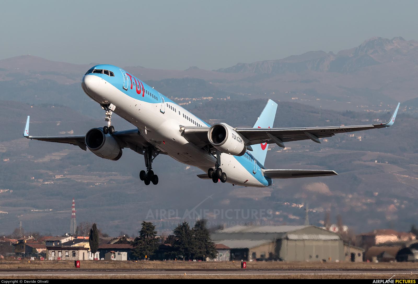 TUI Airways G-BYAW aircraft at Verona - Villafranca