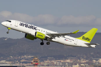 YL-CSA - Air Baltic Bombardier CS300
