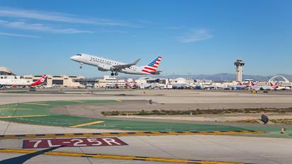 N205NN - American Eagle Embraer ERJ-175 (170-200)