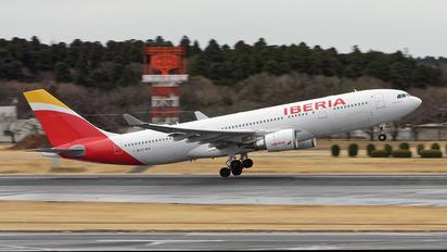 EC-MLB - Iberia Airbus A330-200