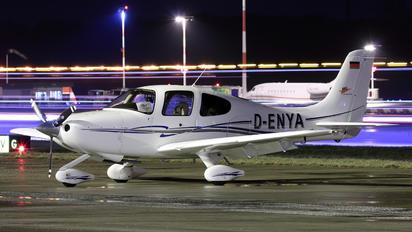 D-ENYA - FFG Braunschweig Cirrus SR20