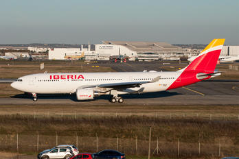 F-WWCR - Iberia Airbus A330-200