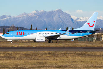 G-TAWN - TUI Airways Boeing 737-800