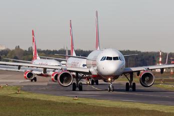D-ALSB - Air Berlin Airbus A321