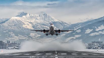 G-EZDX - easyJet Airbus A320