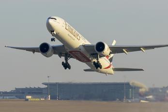 A6-EGX - Emirates Airlines Boeing 777-300ER