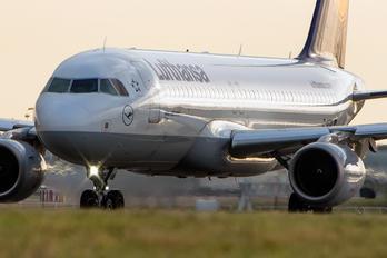 D-AIQW - Lufthansa Airbus A320