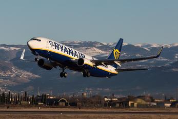 EI-FRY - Ryanair Boeing 737-800