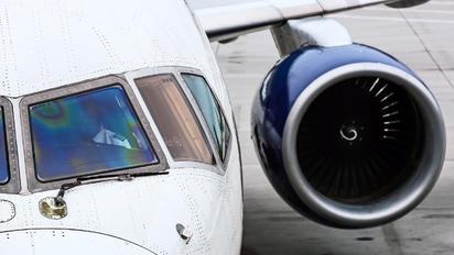 N589NW - Delta Air Lines Boeing 757-300