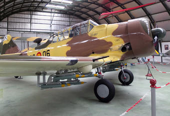 C.6-35 - Spain - Air Force North American Harvard/Texan (AT-6, 16, SNJ series)