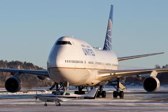 N104UA - United Airlines Boeing 747-400