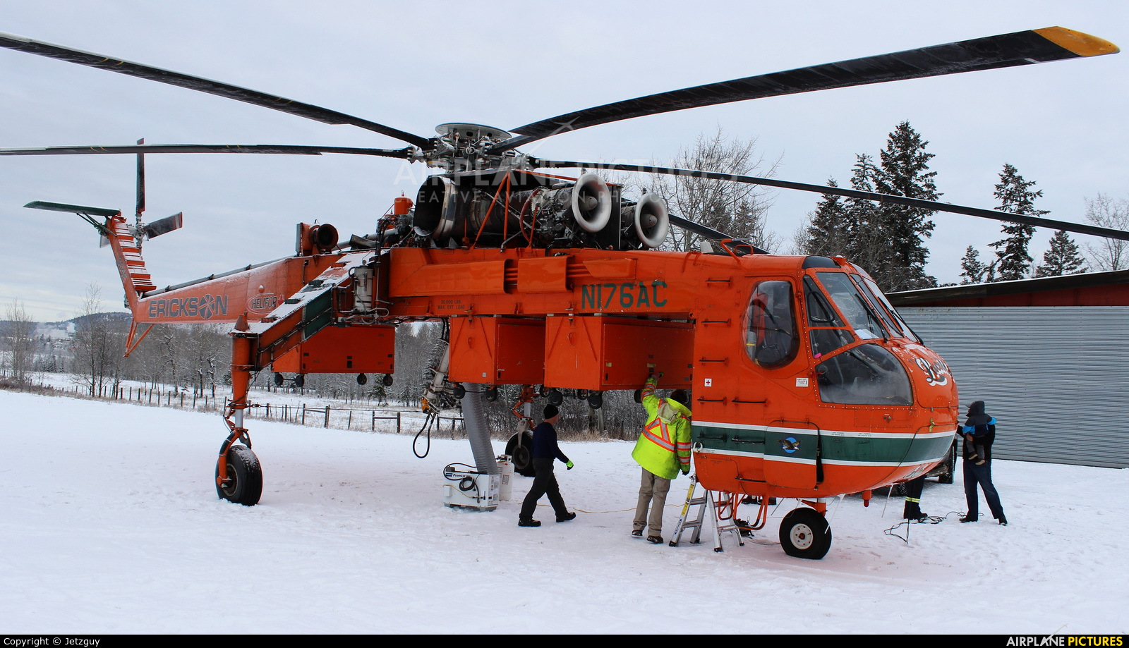 Erickson Air-Crane N176AC aircraft at 100 Mile House, BC