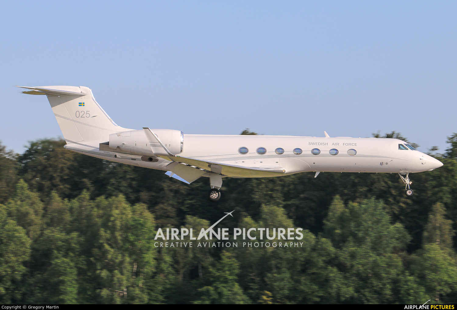 Sweden - Air Force 025 aircraft at Luxembourg - Findel