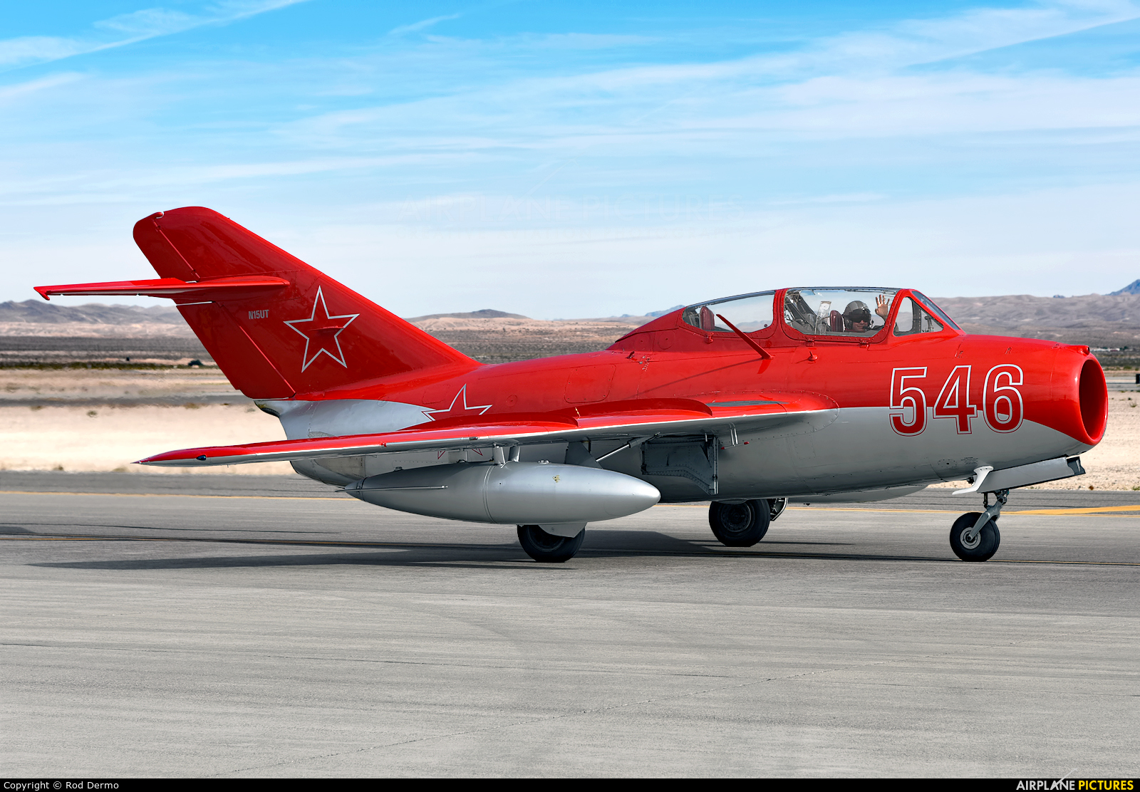Private N15UT aircraft at Nellis AFB