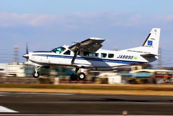 JA8890 - Asia Air Survey Co.Ltd Cessna 208 Caravan