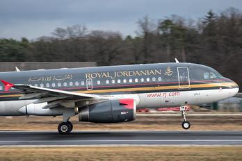JY-AYM - Royal Jordanian Airbus A319