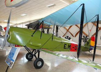 EM-018 - Spain - Air Force de Havilland DH. 82 Tiger Moth