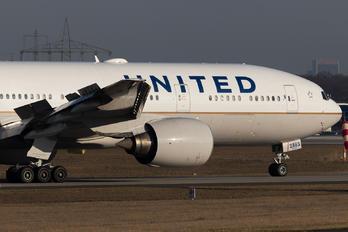 N783UA - United Airlines Boeing 777-200ER