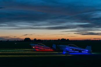 G-SPRK - Fireflies Aerobatic Display Team Vans RV-4