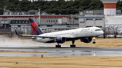 N821DX - Delta Air Lines Boeing 757-200