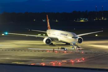 TC-JJO - Turkish Airlines Boeing 777-300ER