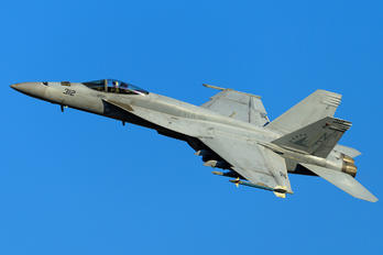 166870 - USA - Navy Boeing F/A-18E Super Hornet