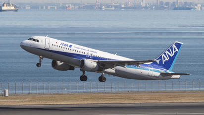 JA8609 - ANA - All Nippon Airways Airbus A320