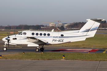 PH-ACE - Air Service Groningen Beechcraft 300 King Air