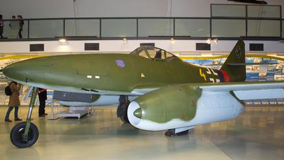 112372 - Germany - Luftwaffe (WW2) Messerschmitt Me.262 Schwalbe