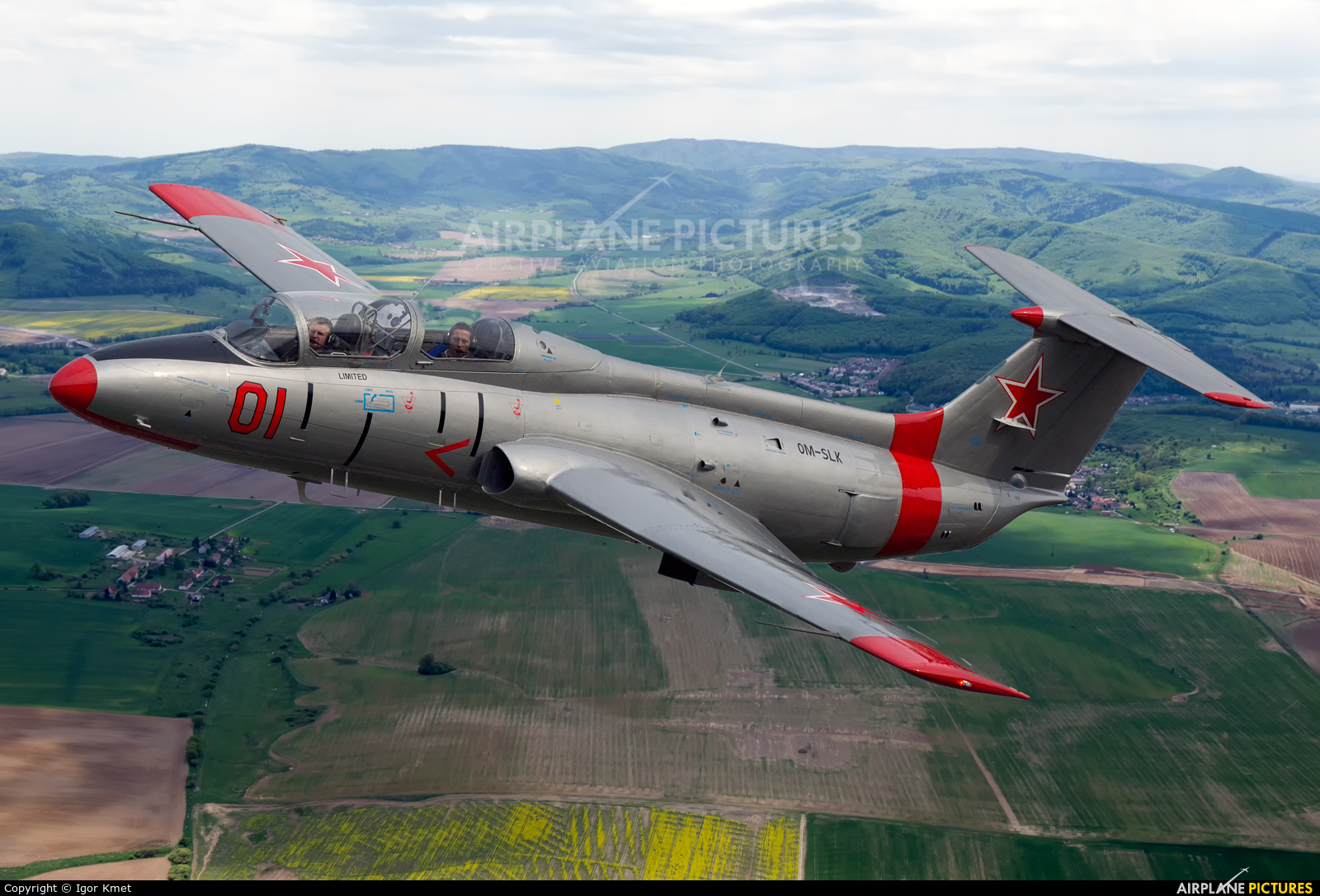 Private OM-SLK aircraft at