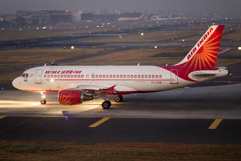 VT-SCM - Air India Airbus A319