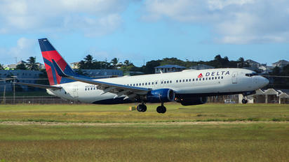 N374DA - Delta Air Lines Boeing 737-800