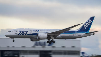 JA823A - ANA - All Nippon Airways Boeing 787-8 Dreamliner