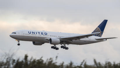 N786UA - United Airlines Boeing 777-200ER