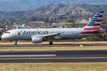 N109UW - American Airlines Airbus A320