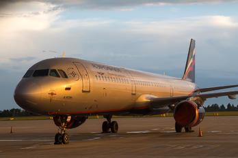 SP-HAX - Aeroflot Airbus A321