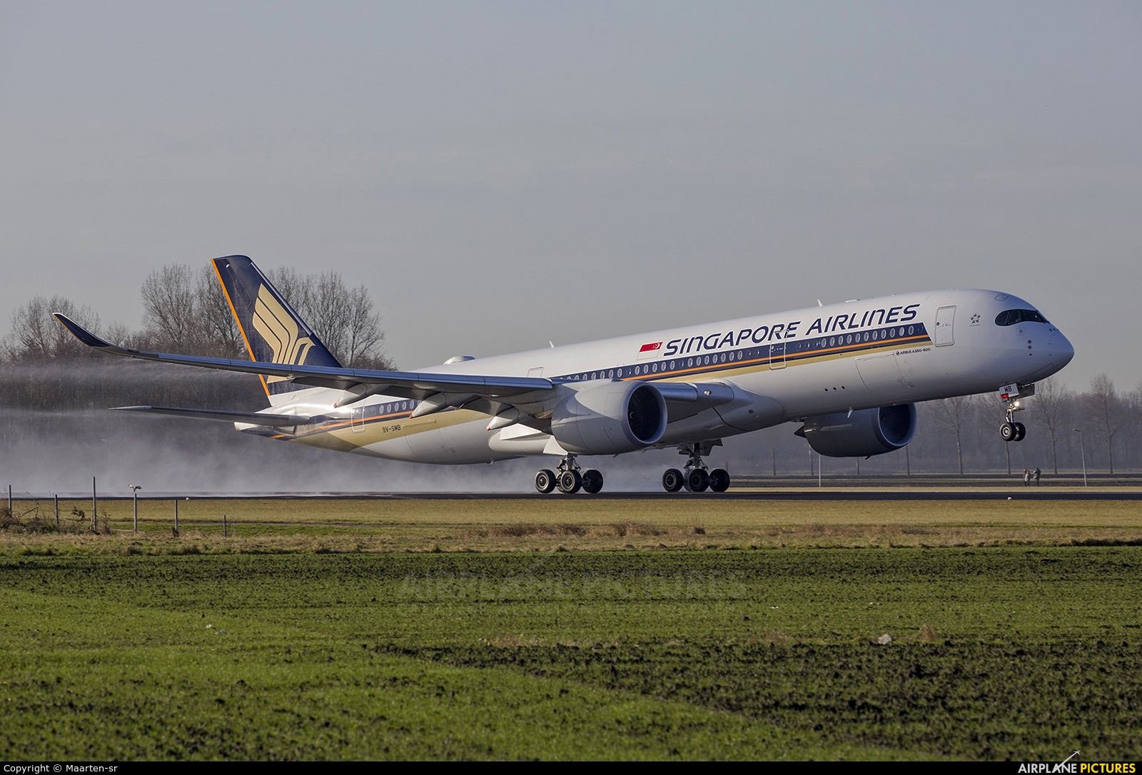 Singapore Airlines 9V-SMB aircraft at Amsterdam - Schiphol